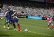 Некоторые игроки FIFA 15 нашли интересный баг – если ваш нападающий в штрафной зоне случайно столкнулся с вратарем, назначают пенальти. Как это происходит, можете посмотреть на видео ниже.