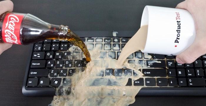 Клавиатура и жидкость